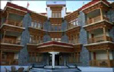 cheap accommodation ladakh